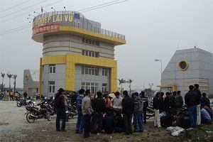Hải Dương: Nhóm đối tượng đánh người, cướp xe ôtô trước cổng khu công nghiệp Lai Vu