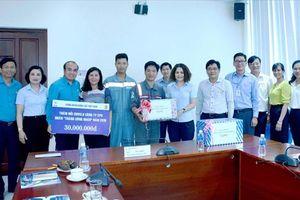 Công đoàn Điện lực Việt Nam: Thăm hỏi, tặng quà CNVCLĐ sửa chữa các nhà máy điện