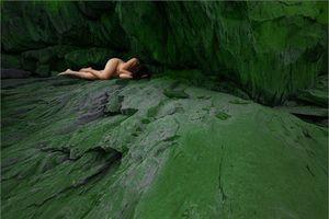 Hà Nội mở triển lãm ảnh nude cấm trẻ em dưới 18 tuổi
