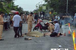 Tai nạn giao thông giữa 2 xe môtô khiến 3 người thương vong