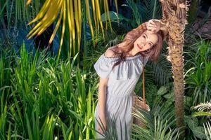 Ca sĩ Đông Nhi tỏa sáng trong trang phục mùa hè của H&M