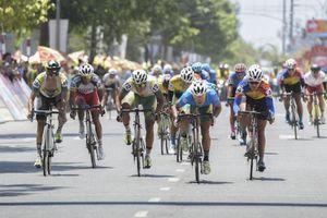 Chặng 3 giải xe đạp truyền hình Bình Dương 2018: Ê kíp An Giang chiếm giữ hết các danh hiệu