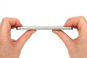 Apple bán iPhone 6 dù biết sản phẩm bị cong