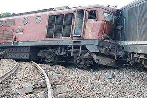 Khẩn trương khắc phục vụ tai nạn 2 tàu hỏa đâm nhau ở Quảng Nam