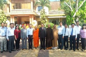 Chủ tịch Ủy ban Trung ương MTTQ Việt Nam chúc mừng Lễ Phật đản tại tỉnh Sóc Trăng