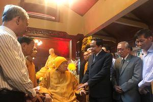 BẢN TIN MẶT TRẬN: Chủ tịch Trần Thanh Mẫn thăm, chúc mừng Hòa thượng Thích Thanh Từ