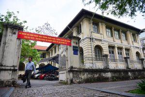 Gần 200 văn nghệ sĩ TP.HCM thỉnh nguyện không đập bỏ Dinh Thượng Thơ