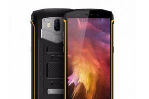 Smartphone màn hình Fullview, pin 'khủng', camera kép, chống nước giá hơn 3 triệu