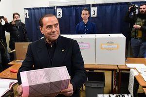 Cựu Thủ tướng Italy Berlusconi hé lộ ý định ra tranh cử