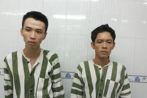Hai kẻ cướp bị truy đuổi dùng dao tấn công lại công an