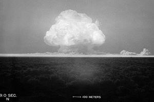 Vén màn bí ẩn ngày khởi đầu kỷ nguyên bom hạt nhân