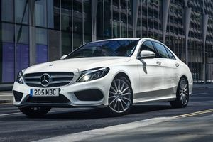 Hơn 600.000 xe Mercedes-Benz vướng nghi vấn gian lận khí thải
