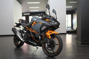Kawasaki Ninja 400 ABS - đối thủ của Yamaha R3 giá từ 153 triệu ở VN