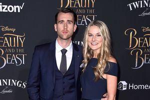 Sao phim 'Harry Potter' Matthew Lewis kết hôn với bạn gái hơn 21 tuổi