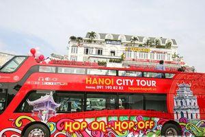 Toàn cảnh hành trình khám phá Hà Nội bằng xe buýt 2 tầng mui trần