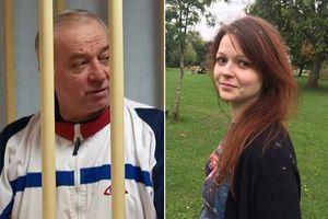 Hé lộ quá trình cứu cha con cựu điệp viên Sergei Skripal khỏi 'vòng tay tử thần'