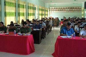 Công an Kim Bôi lắng nghe ý kiến đóng góp của nhân dân