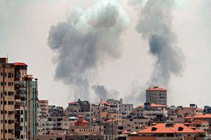 Máy bay Israel tấn công Dải Gaza sau vụ 30 quả đạn cối