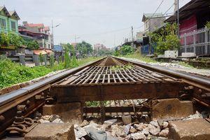 Hành lang an toàn đường sắt tại Hà Nội: Tai nạn giao thông luôn rình rập