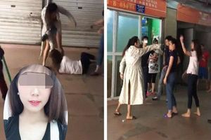 Vụ vợ cũ bị đánh ghen giữa chợ: Nhập viện khâu 11 mũi, chồng cầm dao dọa không cho ai vào giúp