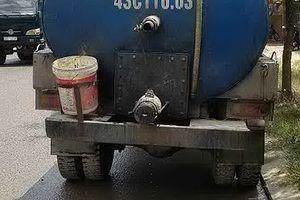 Phát hiện vụ xả thải trái phép gần 3 tấn nhớt cặn ra môi trường