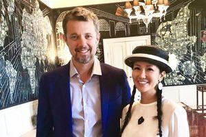 Diva Hồng Nhung 'hẹn hò' Hoàng thái tử Đan Mạch tuổi 50
