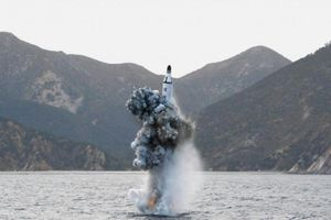 Rộ tin Triều Tiên tập trận bắn đạn thật quy mô lớn trên biển