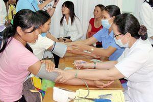 Tiếp tục phát triển y học cổ truyền chăm sóc sức khỏe nhân dân