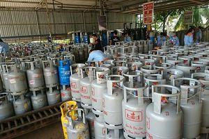 Giá gas lại đồng loạt rủ nhau tăng sốc 18.000 đồng/bình