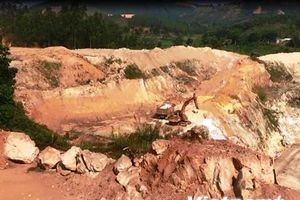 Bài 3: Hàng loạt quả đồi bị đào bới, tan hoang 'vàng trắng' cao lanh