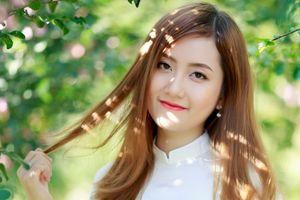 Hot girl Đại học Kiểm sát tinh khôi trong tà áo dài trắng