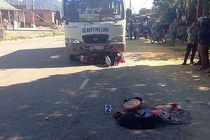 Va chạm với xe buýt, 4 người trong một gia đình thương vong