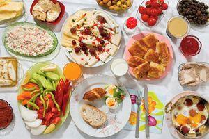 Vòng quanh thế giới khám phá bữa sáng của các nhóc tì