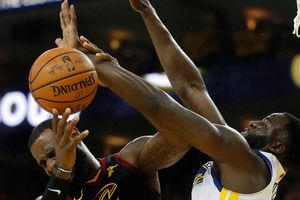 Cavaliers 114-124 Warriors: King James bất lực chịu trận