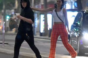 Brooklyn Beckham làm 'phi công', hẹn hò bạn gái U30 lúc nửa đêm
