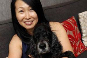 Nữ tiếp viên hàng không chi 20.000 USD chữa bệnh cho chó cưng