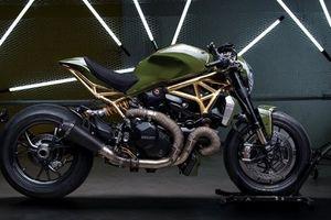 Cận cảnh siêu phẩm Ducati Monster 1200 R phủ vàng ấn tượng