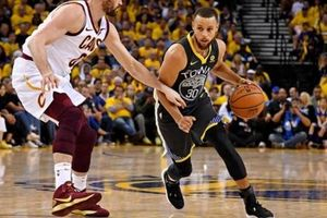 Ném 3 như thần, Stephen Curry 'hạ đo ván' Cleveland Cavaliers