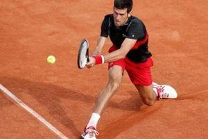Djokovic 'kêu trời' vì mặt sân Roland Garros