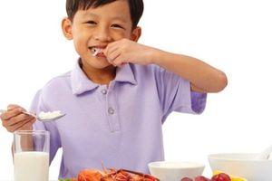 Dinh dưỡng khoa học giúp bé mau khỏe, tăng trưởng sau bệnh