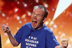 Chân dung người đàn ông mắc chứng bại não dành chiến thắng cao nhất của Britain's Got Talent