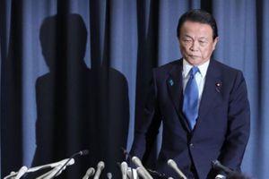 Bộ trưởng Tài chính Nhật không lãnh lương vì bê bối đất công