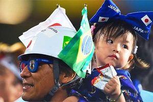 Đáng yêu với những fan nhí World Cup