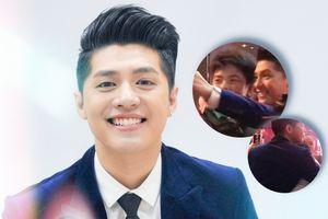 Clip 'cưng' fan như Noo Phước Thịnh: Selfie, ôm từng người và nói chuyện luyến lưu không rời