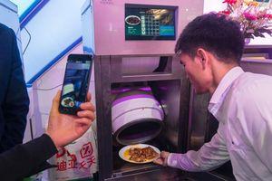 Tạo ra robot biết nấu ăn vì bị vợ cằn nhằn