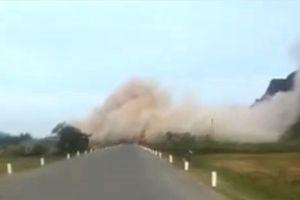 Quảng Bình: Bụi đá nghiêm trọng trên quốc lộ 12A do nổ mìn phá đá
