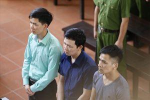Đi tìm công lý trong vụ án tai biến chạy thận tại Hòa Bình còn kéo dài