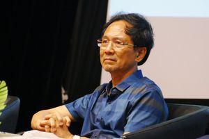 Nhà thơ Mai Văn Phấn muốn lặng yên cho nước chảy, còn nhà phê bình thì không