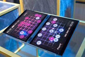 Asus giới thiệu concept laptop 2 màn hình, không bàn phím