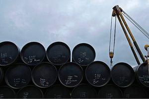 Tồn kho Mỹ bất ngờ tăng, giá dầu về đáy 2 tháng